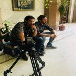 دبلوماسي مقرب من الفار هادي يتلقى صفعة في وجهه بـ صحن التورتة داخل سفارة اليمن بالقاهرة تفاصيل